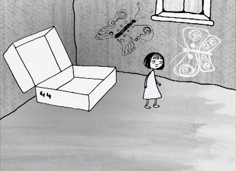 Девочка в обувной коробке