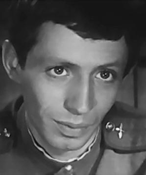 Лев Вайнштейн