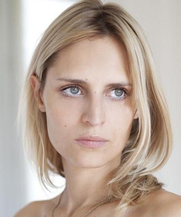 Сабрина Сейвеку