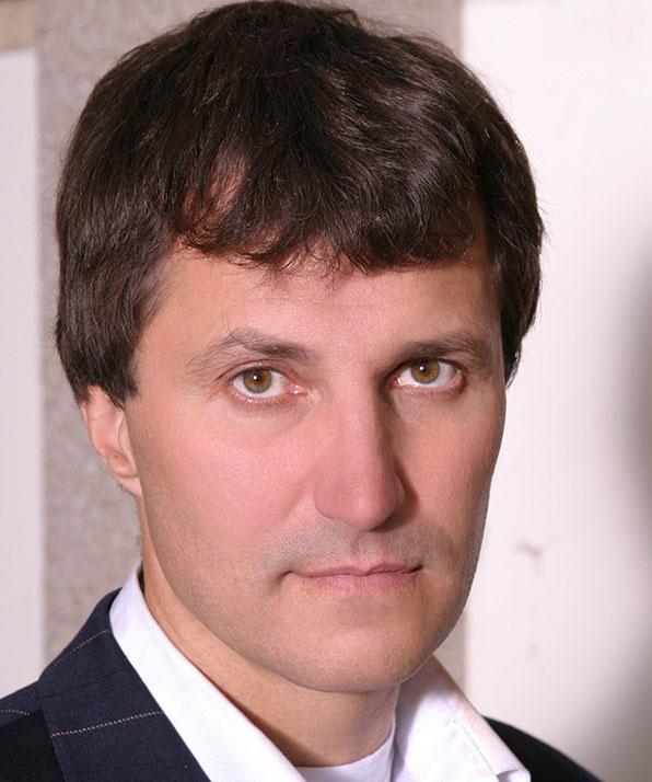 Олег Калмыков