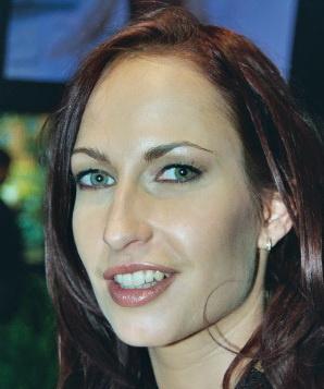 Голыми актриса софи эванс