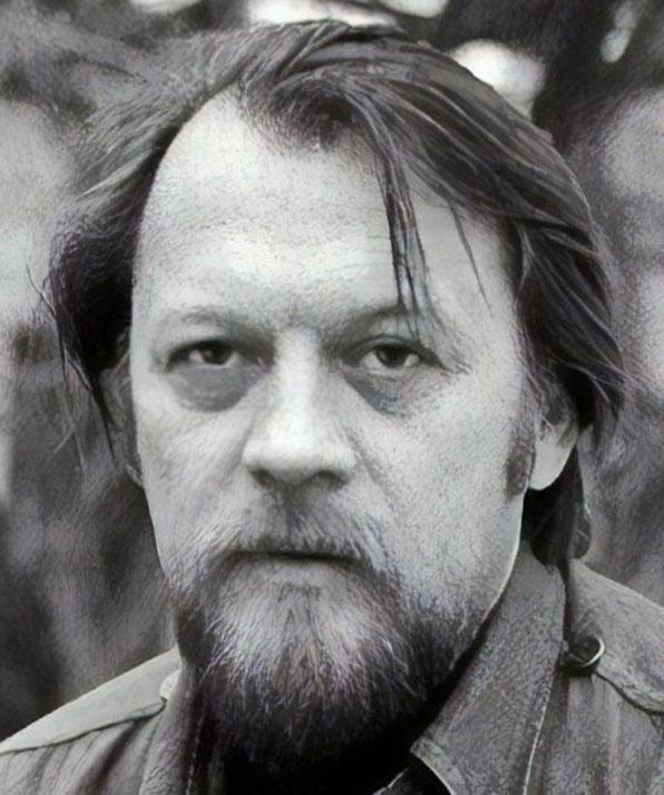 Михаил Рощин