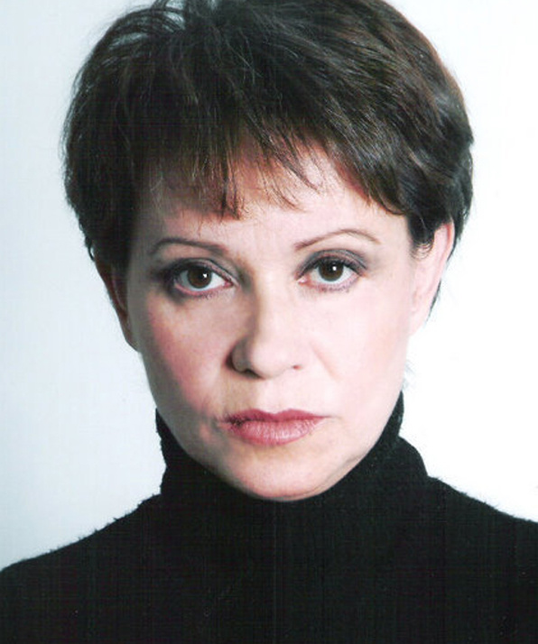 Адриана Барраса