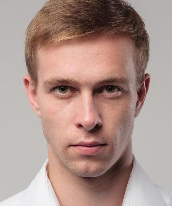 Олег Курсачев